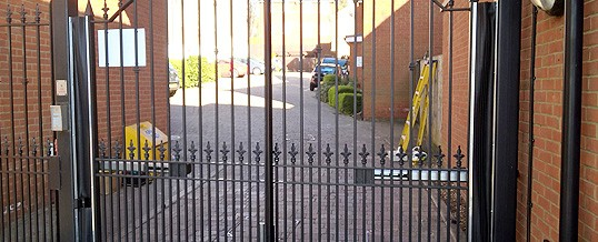 Automatic Gates in Hitchin | Automatic gates in Hertfordshire | Electric Gate Safety in Hertfordshire | Electric Gates Hertfordshire