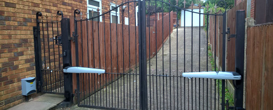 Electric gates for Chelmsford