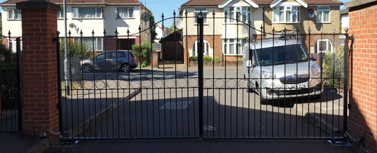 Electric Gate Repairs in Epping