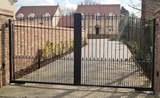 Wrought iron gates in luton bedfordshire